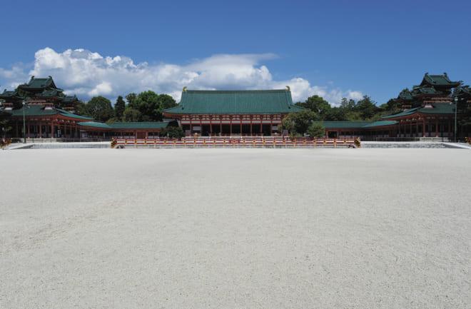 平安神宮は、当時の平安宮をモデルに作られている